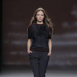 Look negro de la colección otoño/invierno 2013/2014 de Sita Murt en Madrid Fashion Week