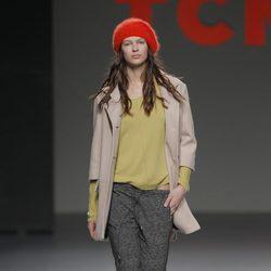 Jersey verde lima de la colección otoño/invierno 2013/2014 de TCN en Madrid Fashion Week