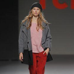 Pantalón rojo de la colección otoño/invierno 2013/2014 de TCN en Madrid Fashion Week