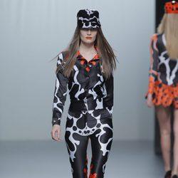 Mono estampado de la colección otoño/invierno 2013/2014 de María Escoté en Madrid Fashion Week