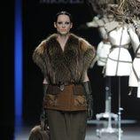 Chaleco de piel de la colección otoño/invierno 2013/2014 de Miguel Marinero en Madrid Fashion Week
