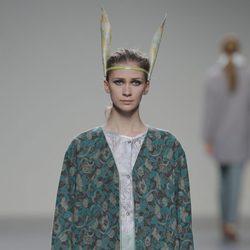 Abrigo estampado de la colección otoño/invierno 2013/2014 de Våldnad en Madrid Fashion Week