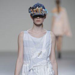 Camiseta con flecos de la colección otoño/invierno 2013/2014 de Våldnad en Madrid Fashion Week