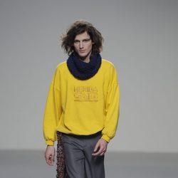 Jersey amarillo de la colección otoño/invierno 2013/2014 de Heridadegato en El Ego de Madrid Fashion Week