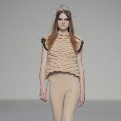 Look beige de la colección otoño/invierno 2013/2014 de HOWL by Maria Glück en El Ego de Madrid Fashion Week