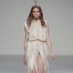 Vestico con flecos de la colección otoño/invierno 2013/2014 de HOWL by Maria Glück en El Ego de Madrid Fashion Week