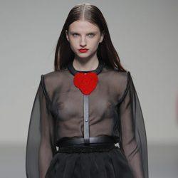 Camisa transparente de la colección otoño/invierno 2013/2014 de Eugenio Loarce en El Ego de Madrid Fashion Week