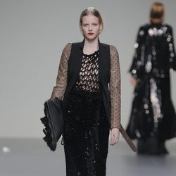 Falda negra larga de la colección otoño/invierno 2013/2014 de Pablo Erroz en El Ego de Madrid Fashion Week