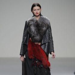 Vestido de pieles de la colección otoño/invierno 2013/2014 de Pablo Erroz en El Ego de Madrid Fashion Week