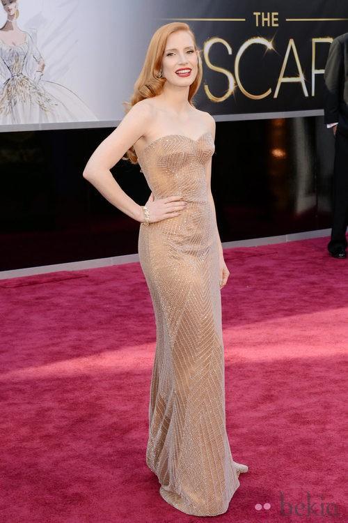 Jessica Chastain con un vestido de Armani en los Oscar 2013