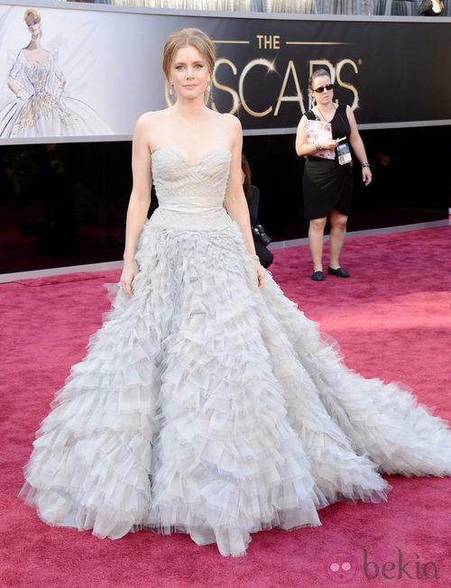 Amy Adams con un vestido de Oscar de la Renta en los Oscar 2013