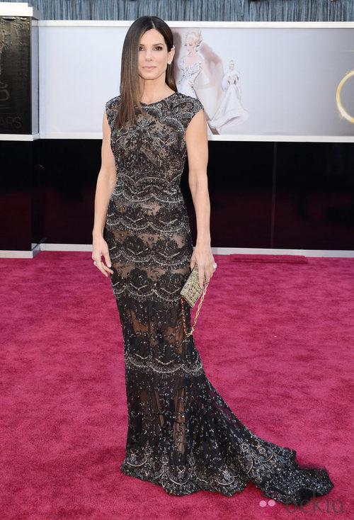 Sandra Bullock con un vestido de Elie Saab en los Oscar 2013