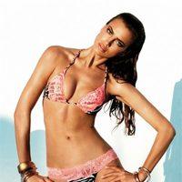 Irina Shayk con un bikini print animal de la colección primavera/verano 2013 de Beach Bunny