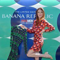 Coco Rocha con un vestido de la colección primavera/verano 2013 de Mad Men de Banana Republic