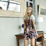 Dimphy Jansen posando con la colección primavera/verano 2013 de Indi & Cold