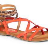Sandalia de tiras naranjas de Mustang para la colección primavera/verano 2013