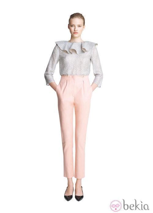 Pantalón rosa palo capri de la colección primavera/verano 2013 de Juanjo Oliva para Elogy