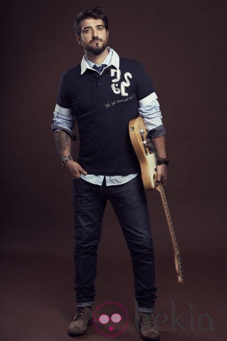 Antonio Orozco viste de la colección primavera/verano 2013 de Desigual en su gira 'Único'