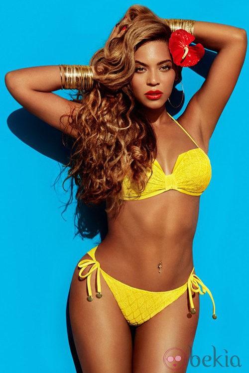 Beyoncé con un bikini amarillo de la colección primavera/verano 2013 de H&M