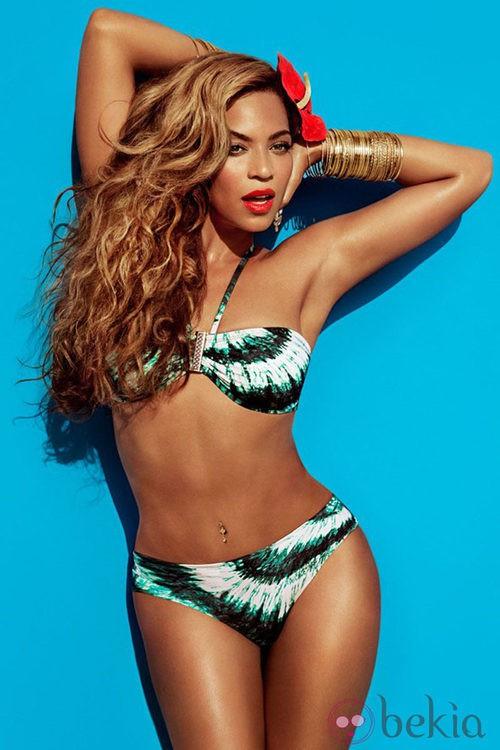 Beyoncé con un bikini de la colección 'H&M for Water' primavera/verano 2013 de H&M