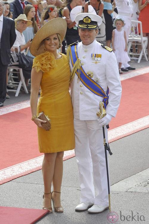 Máxima de Holanda con un vestido corte jumper