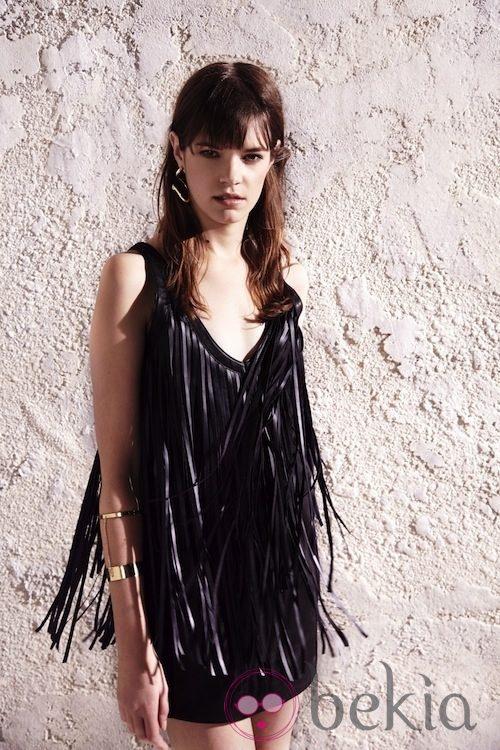 Vestido negro con flecos de la colección primavera/verano 2013 de River Island