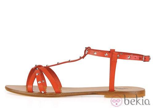 Sandalia plana roja de la colección femenina primavera/verano 2013 de U.S. Polo Assn.