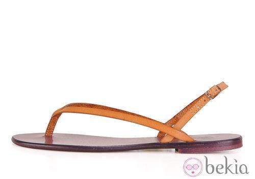 Sandalia plana beige de la colección femenina primavera/verano 2013 de U.S. Polo Assn.