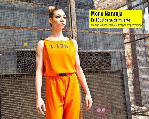 Mono naranja de la colección 'Ropa Comprometida' de Amnistía Internacional
