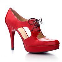 Zapatos de Stuart Weitzman diseñados por Scarlett Johansson