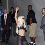Lady Gaga en ropa interior tras un concierto