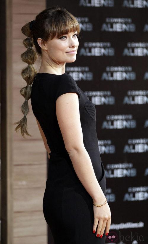 Olivia Wilde, vestida de Tom Ford, presenta 'Cowboys and aliens' en Berlín
