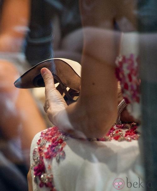 Sarah Jessica Parker se prueba zapatos de Manolo Blahnik