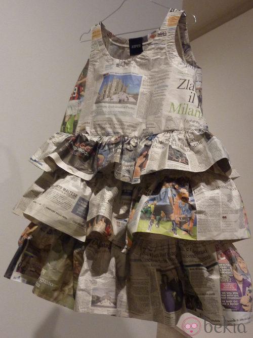 Vestido de papel con volantes de Aspesi