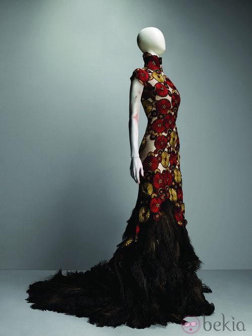Vestido VOSS de Alexander McQueen, primavera/verano 2001