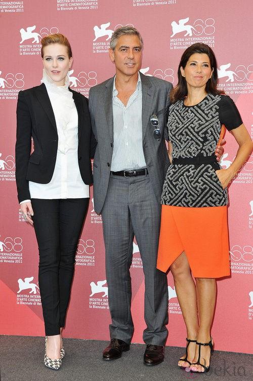 Evan Rachel Wood y Marisa Tomei en el Festival de Venecia junto a George Clooney