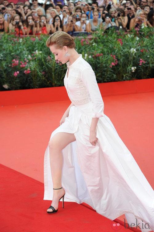 Evan Rachel Wood luce piernas en el Festival de Venecia