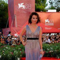 Violante Placido de Alberta Ferretti en el Festival de Venecia 2011