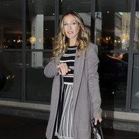 Sarah Jessica Parker con bolso de Louis Vuitton en Londres