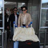 Elena Anaya llega a Cannes con gafas cat eye