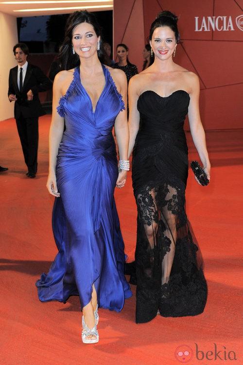 Manuela Arcuri y Asia Argento de Alberta Ferretti  en el Festival de Venecia