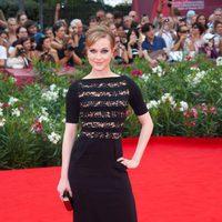 Evan Rachel Wood con vestido negro de Alessandra Rich en Venecia