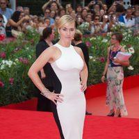 Kate Winslet vestida de Stella McCartney en el Festival de Venecia