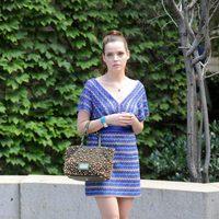Roxane Mesquida en el rodaje de 'Gossip girl' vestida de Missoni
