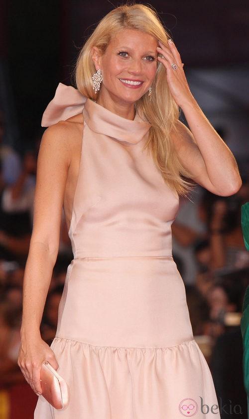 Gwyneth Paltrow de Prada en la alfombra roja veneciana