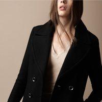 Abrigo clásico negro de Burberry Brit