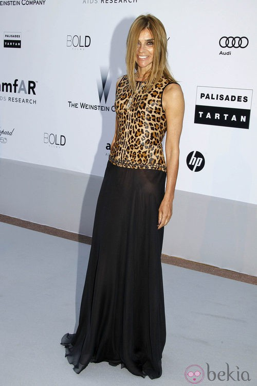 Carine Roitfeld con top de estampado animal