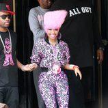 Nicki Minaj, embutida y ridícula de rosa