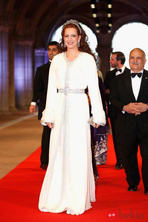 La Princesa Lala Salma de Marruecos con un caftán de ceremonia en la cena previa a la abidcación de la Reina Beatriz de Holanda