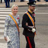 Mette-Marit de Noruega con un vestido estampado floral durante la ceremonia de investidura de Guillermo de Holanda